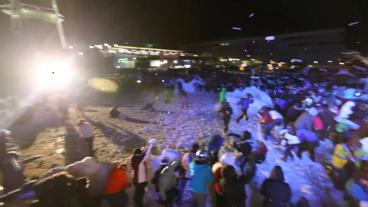 World's Largest Snowball Fight Saw Over 5000 People Engage In Combat