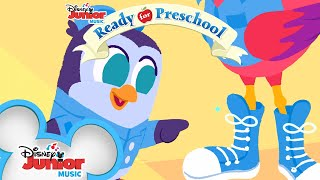 Lets Make A Bow With T.O.T.S.! 🎀   Learn To Tie Shoes   Ready For Preschool   Disney Junior