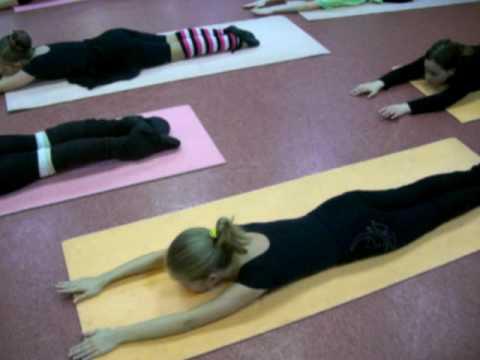 Упражнения при плоской осанке