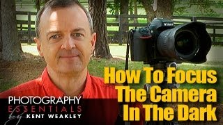 How To Focus Camera In The Dark