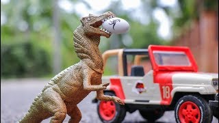 Hatching Eggs Dinosaur and Trailer Truck  - Protect Baby Dino | Truck | Car Toy Story