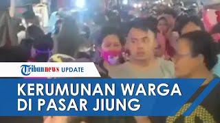 Di Tengah Pemberlakuaan PSBB, Sejumlah Warga DKI Berkerumun di Pasar Jiung Kemayoran Jakarta Pusat