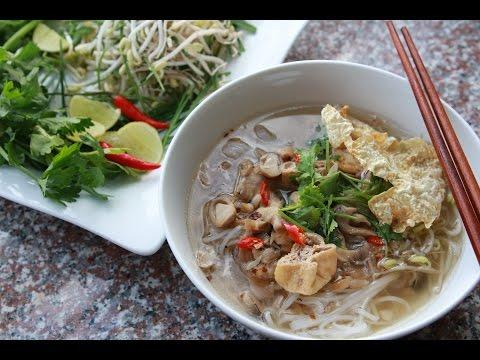 Making HU TIEU Noodles & HỦ TIẾU CHAY (Vegan)