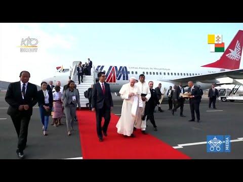 Cérémonie de bienvenue du pape François à Madagascar