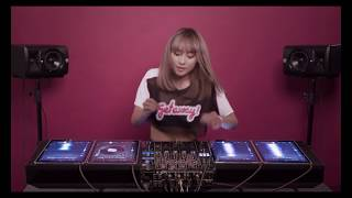 DJ TyTy (Viet Nam) - Mashup on 4 iPads