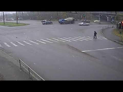 "Отказали тормоза у бетономешалки ""Камаз"" в Петрозаводске"