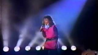 Laura Branigan - 'How Am I Supposed To Live Without You',