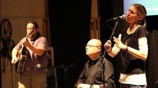 Video Rendez-fou: Od folku po šanson