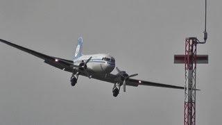 preview picture of video 'DAKOTA Douglas DC3 KLM take-off + landing'