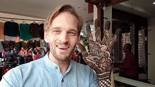Who Says Men CAN'T Get Mehndi? (Foreign MAN Getting Henna in India) #VillageWalaRock