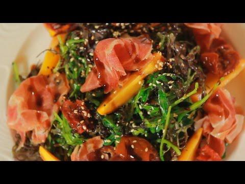 Салат с хурмой и хамоном. Рецепт от шеф-повара.