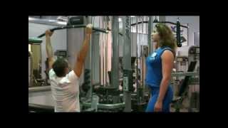 Смотреть онлайн Комплекс упражнений для начинающих на силовых тренажерах