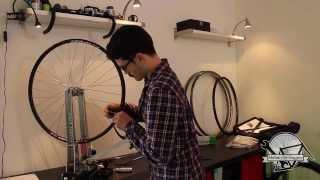 Montage roue velo artisanal