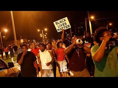 США: убитый полицейским в Милуоки афроамериканец был вооружен и опасен
