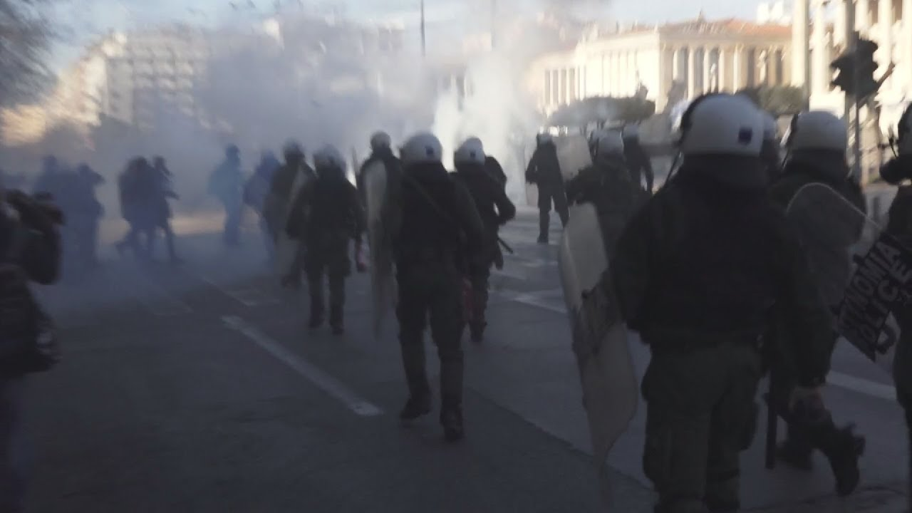 Ένταση προσαγωγές και συλλήψεις στο πανεκπαιδευτικό συλλαλητήριο στο κέντρο της Αθήνας