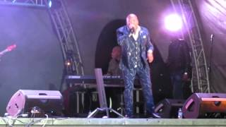 Sello Malete performing at the King's Praise Gospel Praise 2016