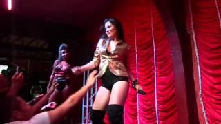 Lissah Martins canta Feel This Moment - Pitbull feat. Christina Aguilera