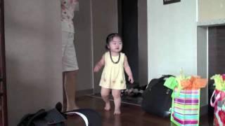 Sara meets our daughter - an adoption from Korea