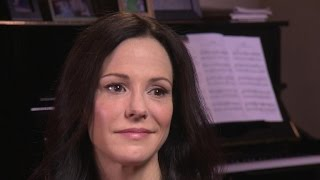 """""""Weeds"""" star Mary-Louise Parker unveils her hot new memoir, """"Dear Mr. You"""""""