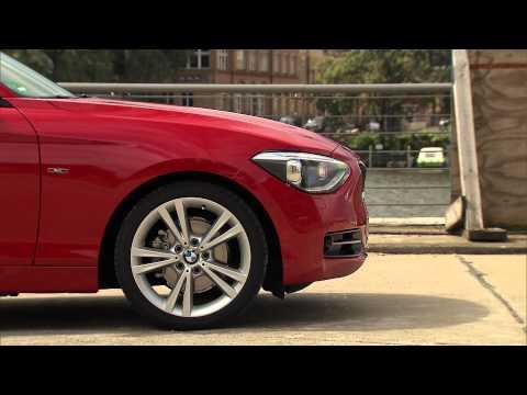 BMW 1 Series - 5 doors - BMW 118i Sport Line Exterior design.mov