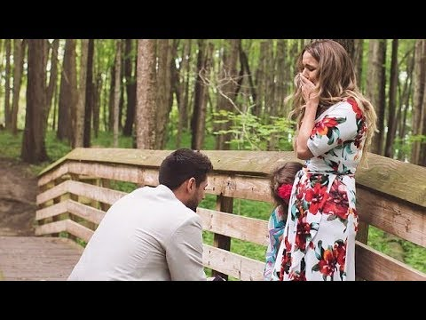 Мать-одиночка согласилась выйти замуж, но не знала, что в тот день он сделает два предложения
