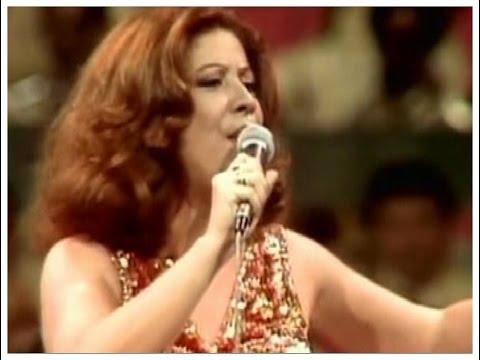 """Linda apresentação de Beth Carvalho cantando """"Andança"""""""