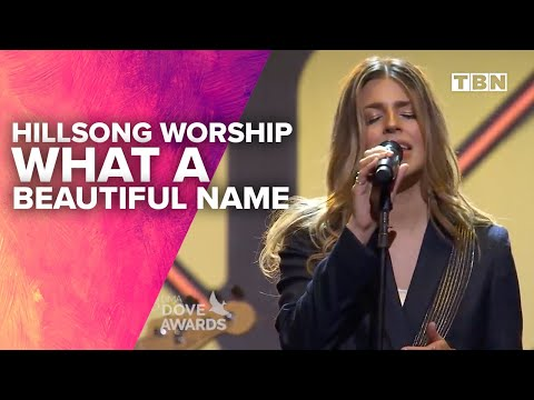Hillsong Worship Performs