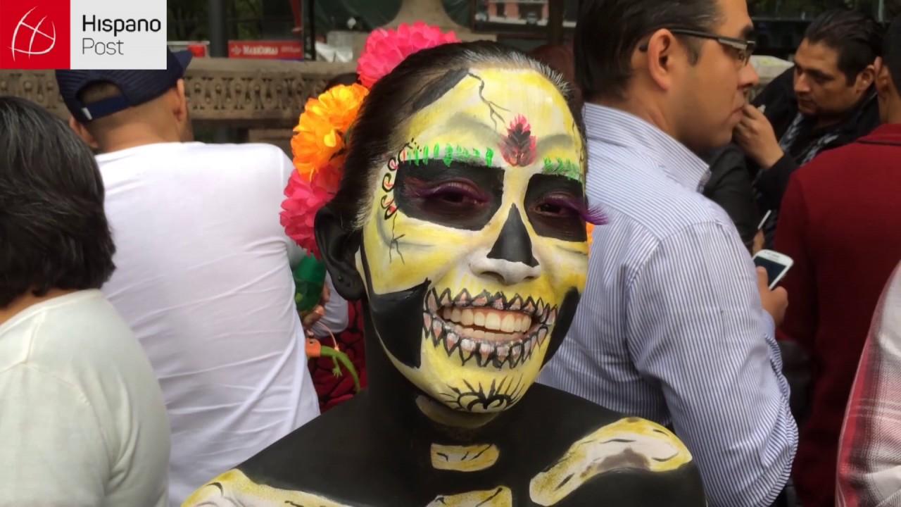 Mexicanos celebraron el Día de los Muertos con un desfile de Catrinas