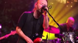Gambar cover Behind the Scenes: Radiohead