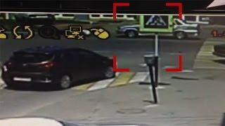 В Краснодаре патрульная машина ДПС сбила девушку на пешеходном переходе