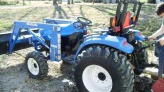New Holland Tractor - TC33D 4x4 Boomer Compact Tractor - Start-up and Operation
