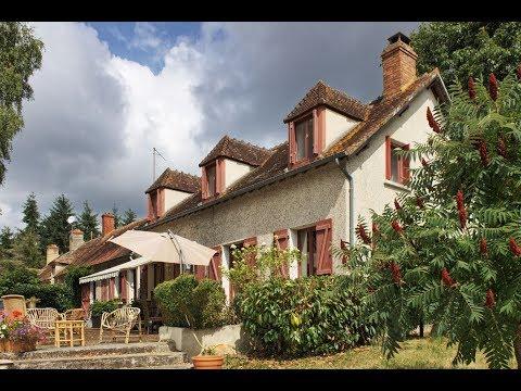 Belle maison avec grande piscine au coeur de la France