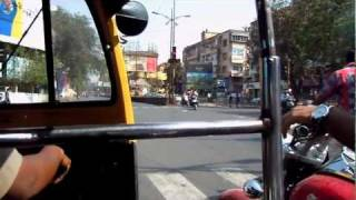 preview picture of video 'Pune. Travel by rickshaw.'