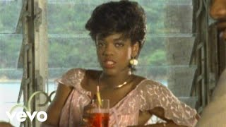 """Evelyn """"Champagne"""" King - Betcha She Don't Love You"""