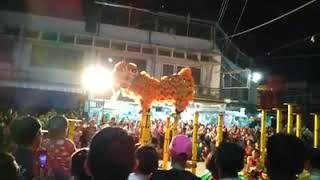 preview picture of video 'คณะสิงโต-มังกร ศิษย์หลวงพ่อพุทธเรืองฤทธิ์ ใจกลางตลาดเมืองสวรรคโลก วงเวียนเทวดาดีดพิณ'