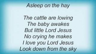 Faith Hill - Away In A Manger Lyrics