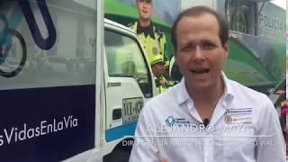 Miniatura Video Alejandro Maya, le pone la camiseta al líder de la montaña