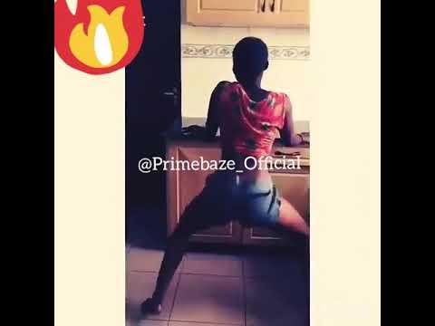 Hot Naija Girl Twerking Off