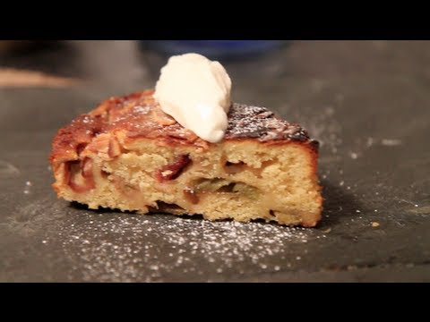 Video Quick, Easy, Moist Rhubarb Cake Recipe