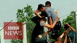 Migrant crisis: Border fences around the world - BBC News