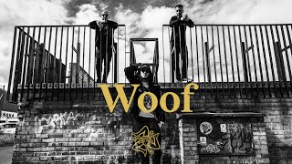 Kadr z teledysku WOOF tekst piosenki Avi X Louis Villain feat. Pezet