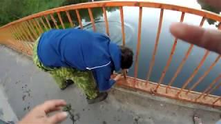 Василий плюхнулся в воду,поиск на поисковый магнит