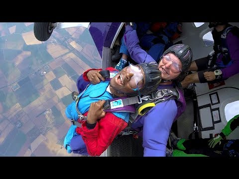 BIRTHDAY VLOG, SKYDIVING AND PRANKING MY MOM