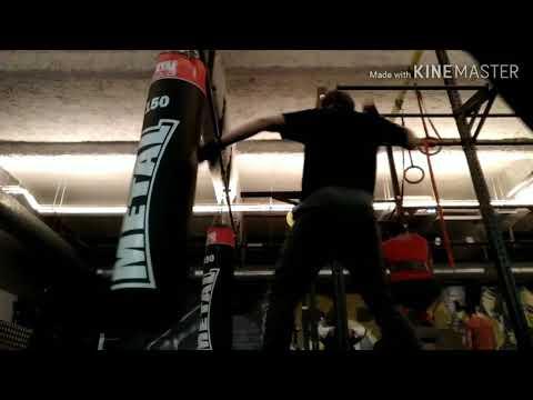 Training kick boxing