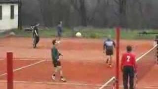 preview picture of video 'Nohejbalovy Turnaj - Roztoky 2008 duben'