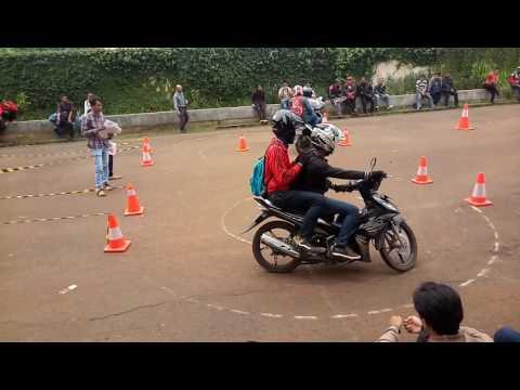 Video Ini Pengalaman Saya Waktu Pendaftaran Grabbike di Cibubur