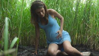 最新燒腦驚悚片,斯蒂芬.金小說改編!時空錯亂的高草叢中,一旦進去就出不來!走不出去的高草叢,其實就是我們的無法得到救贖的人生。你看懂了嗎?