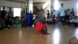 preview picture of video 'Black Squad Breaking 4th aniversary , bboy C ( SRB) VS Alvie ( SRB )'