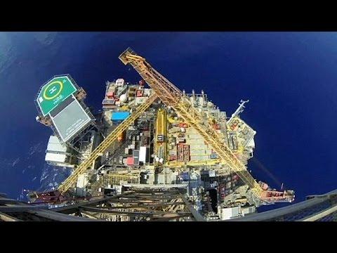 Shell: χιλιάδες εργαζόμενοι φεύγουν, τα μερίσματα μένουν – economy