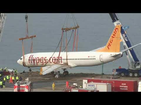 Τραπεζούντα: Δείτε μοναδικές εικόνες από την ανάσυρση του αεροπλάνου που είχε πέσει στο γκρεμό